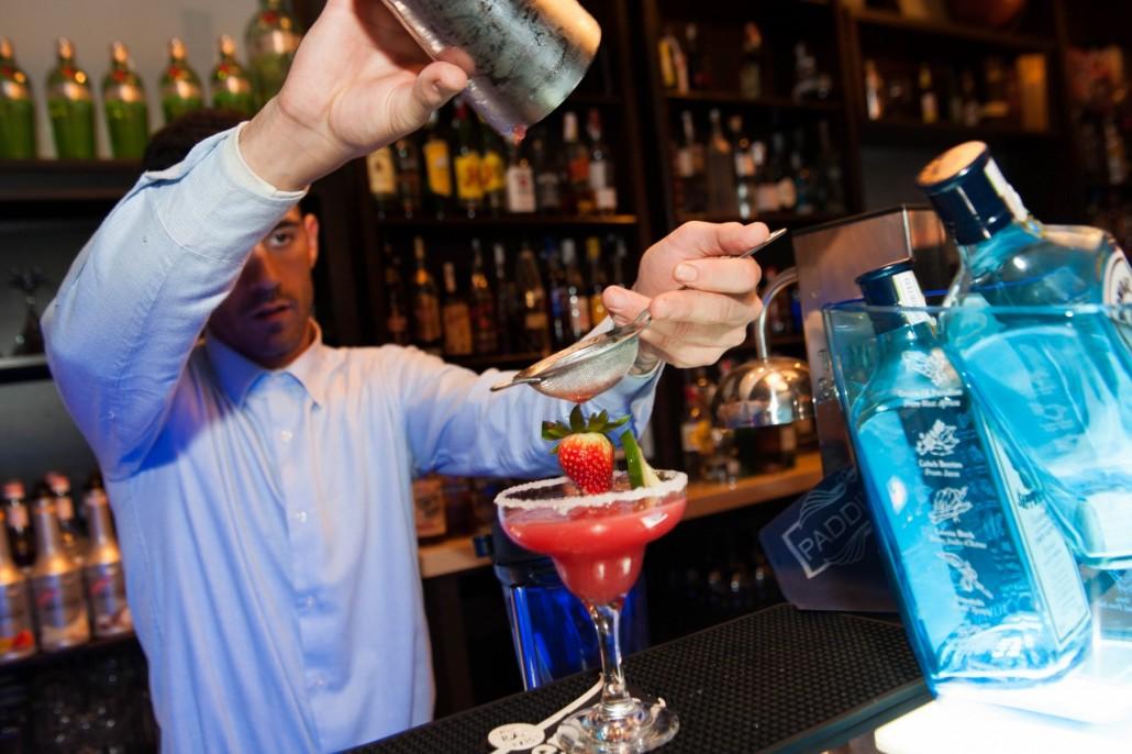 Preparando tu cocktail con o sin alcohol