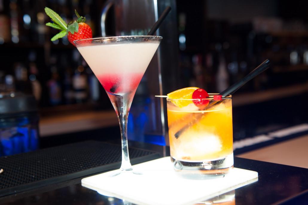 Cocktail de diseño en Paddintom Café & Copas. Sevilla